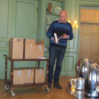 NFF-formann Jan Kristiansen lovet å nå jubileumsmiddagen to dager etter bokpresentasjonen, selv om det skal holde hardt når han skal gjennom alle sidene på forhånd.