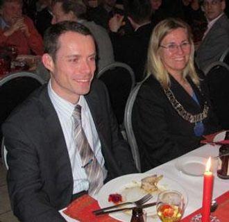 Ordfører i Ski kommune, Anne Kristine Linnestad og Atlas Copco-sjef Erik Presthus.