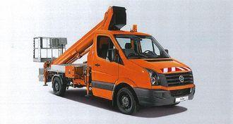 Med en Ruthmann-lift blir en 3,5-tonns Crafter en hendig og effektiv liftbil. Maksimal arbeidshøyde er 27 meter, mens største rekkevidde er 14,8 meter. Arbeidskurven er godkjent for last inntil 230 kg.