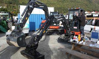 Vinge Maskin AS var på plass på Loen-dagene 2013 med to Eurocomach-maskiner.