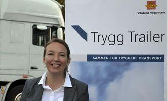 - Trygg Trailer vil ikke løse alle problemene i transportbransjen, sier prosjektleder Vibeke Grimstad, - men det er et bidrag. Vi i Statens vegvesen vil fortsette vår kontrollvirksomhet og andre tiltak for å skape en tryggere transport på norske veger.