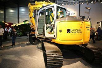 Den største gravemaskinen på Agroteknikk 2012, var denne New Holland E135B LC-Version-J (15,3 tonn).
