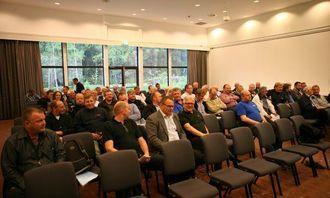 Et hundretalls mennesker hadde møtt opp på Quality Hotell Mastemyr onsdag kveld.