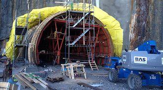 Her ser du åpningen i nordenden. Endelig er det gjennomslag i den nye Falkentunellen.
