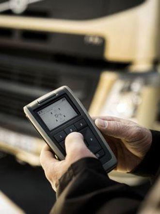 Med fjernkontroll kan man sjekke en rekke funksjoner uten å gå inn i førerhuset.