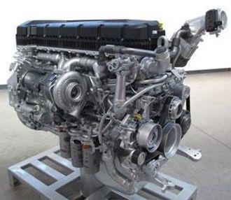 DTI 11-motoren blir produsert for både Renault og Volvo hos Renault i Lyon. Renault har sin egen motorstyring og programmering og litt andre effekter enn Volvo.