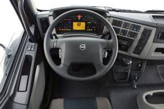 Glimt fra førerplassen i nye Volvo FL. FE har stort sett samme interiøret.