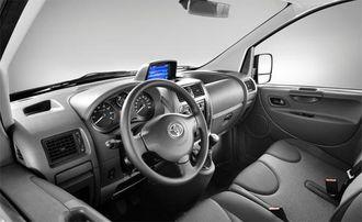 Toyota ProAce minner en god del om sine søskenbarn i Peugeot og Citröen.