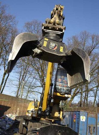 Den nye Cat G315B-kloa er utviklet til avfall og gjenvinningsbransjen.