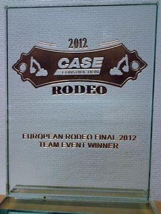 Plaketten til beste lag i Case Rodeo 2012 vil få en fin plassering i Norge.