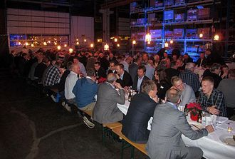 Det var dekket opp til 200 personer i verkstedhallen hvor alt foregikk på den 41. utgaven at «Den lille» i Atlas Copco-regi.