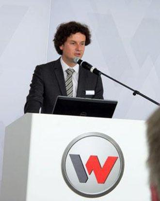 Fabrikksjef Gert Reichetseder er stolt av selskapets fremtidsrettede profil.