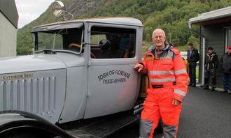 Citroën-en «Eddi» er en veteranbrøytebil fra 1929. Bilen ryddet i sin tid veiene nettopp i Lærdal. Jon Lien har ansvaret for å holde bilen i stand.