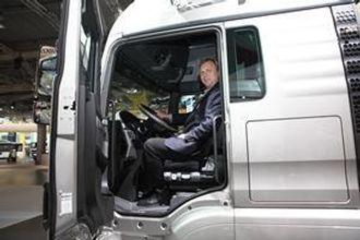 MAN-sjef Bård Stenberg er fornøyd med de nye bilene.