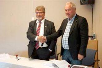 Fylkesordfører i Troms, Knut Werner Hansen, og adm. direktør Frode Nilsen i LNS.