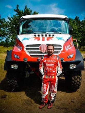 Ales Loprais foran Tatra-en han vil vinne Silk Way og Dakar med.