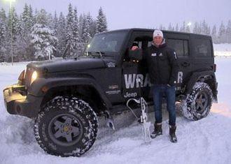 - Jeg er kjempefornøyd med min Jeep Wrangler, virkelig et råskinn på vinterføre og kjøreegenskapene er veldig gode. Skikkelig guttebil som får oppmerksomhet over alt, sier Tarjei Bø.