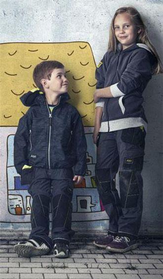 Nå kan barna være like stilige som mor og far når det jobbes.