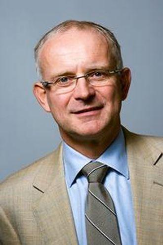 Konsernsjef Harald Rafdal selger unna i Mesta Entreprenør.