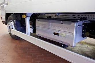 Batterimodulene sitter i en solid batterikasse som skal tåle relativt tøffe sammenstøt.