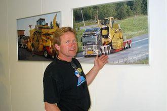 Svoger Knut Martin Fladby styrer transportvirksomheten.