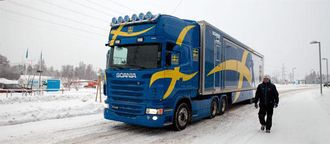 Sammenslått ser smøretraileren ut som et ganske vanlig Scania-vogntog.