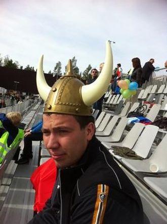 Martin Stødle måtte ta til takke med en vikinghjelm i premie.