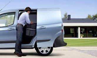 Ford Transit Courier har skyvedør.