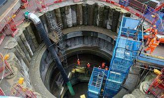 Også Farringdon Station bygges dypt under bakken.