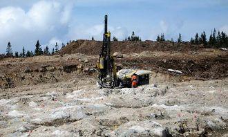 350.000 m3 fjell er sprengt ut og 500.000 tonn stein er knust til forsterkningslag.