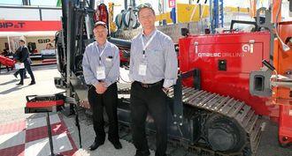 Qmatec er tilbake på Bauma etter 28 år, og satser på økt eksport av sine rigger. Fra venstre: produksjonsleder Halvor Kaldråstøyl og salgsansvarlig Rune A. Grindholm.