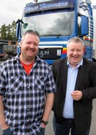 To fornøyde karer med stor kompetanse på hvert sitt område: Audun Tandberg og Bård Hoksrud i FrP.