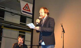 Jon Niklas Rønning (Fra Bye og Rønning) sto for underholdning og morsomme parodier.