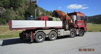 Denne lastebilen fikk kjøreforbud på grunn av for langt overheng.