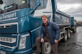 FOKUS: Daglig leder Morten Natedal i Tipp Transport har innsett at de bygde for tunge tippbiler før.