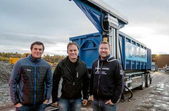 Både Christian Riise fra Maur (til venstre), Trygve Løvås og Peter Selander fra produsenten Ängsgården, var fornøyde med resultatet.