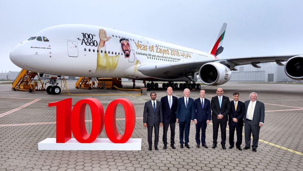 Emirates mottok sin A380 nummer hundre i november. Dette flyets dekor hedrer at det er hundre år siden HH Sheikh Zayed bin Sultan Al Nahyan, grunnleggeren av De forente arabiske emirater, ble født.