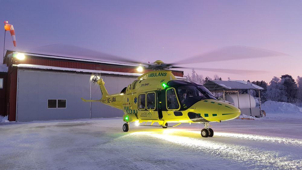 Babcock Scandinavian AirAmbulance (BSAA) har nå tatt i bruk AW169 som ambulansehelikopter  på oppdrag fra Region Jämtland Härjedalen.