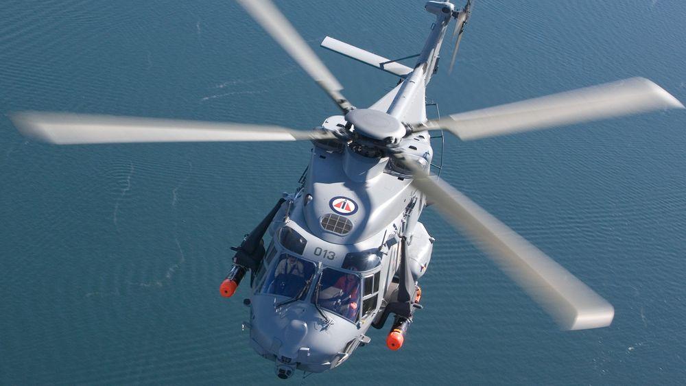 Et av de norske NH90-helikoptrene under testing ved fabrikken i Italia. Nå er det første fregatthelikopteret i endelig konfigurasjon snart på plass i Norge.