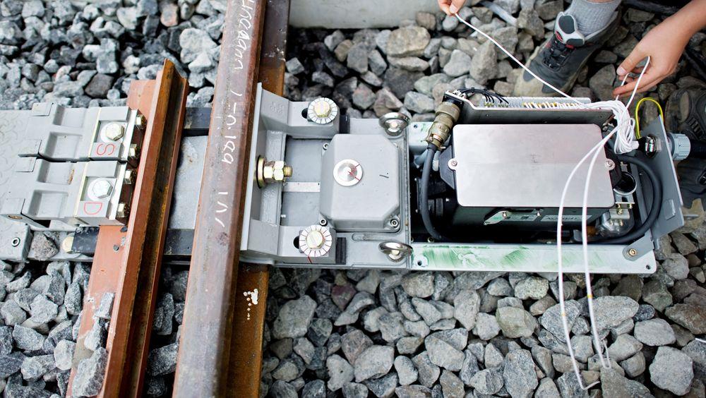 Over 850 drivmaskiner for sporveksler har fått tilkoblet sensorer som bidrar til å forutse feilsituasjoner.