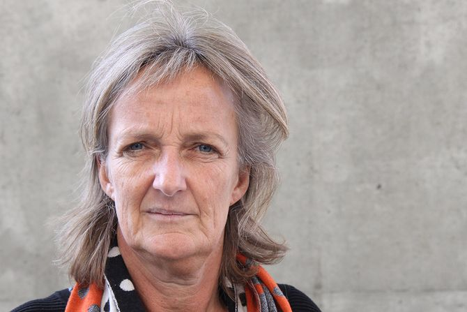 Ingrid Lund er spesialpedagog og familieterapeut og arbeider i dag ved Universitetet i Agder som førsteamanuensis.
