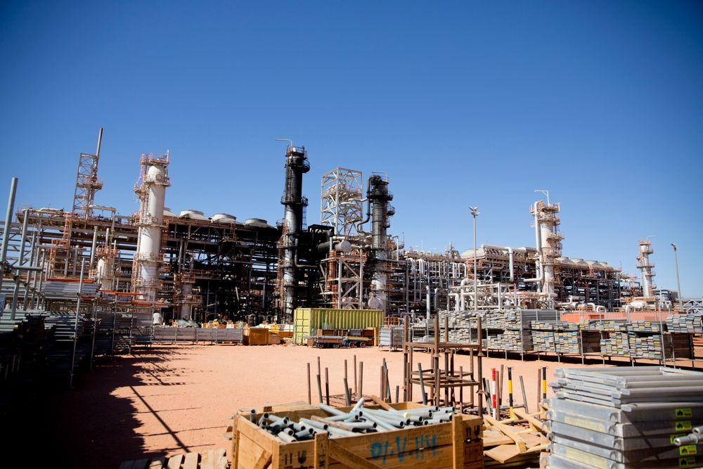 Fem Statoil-ansatte ble drept ved In Amenas. Nylig inngikk selskapet kontrakt om å forlenge sitt engasjement i Algerie.