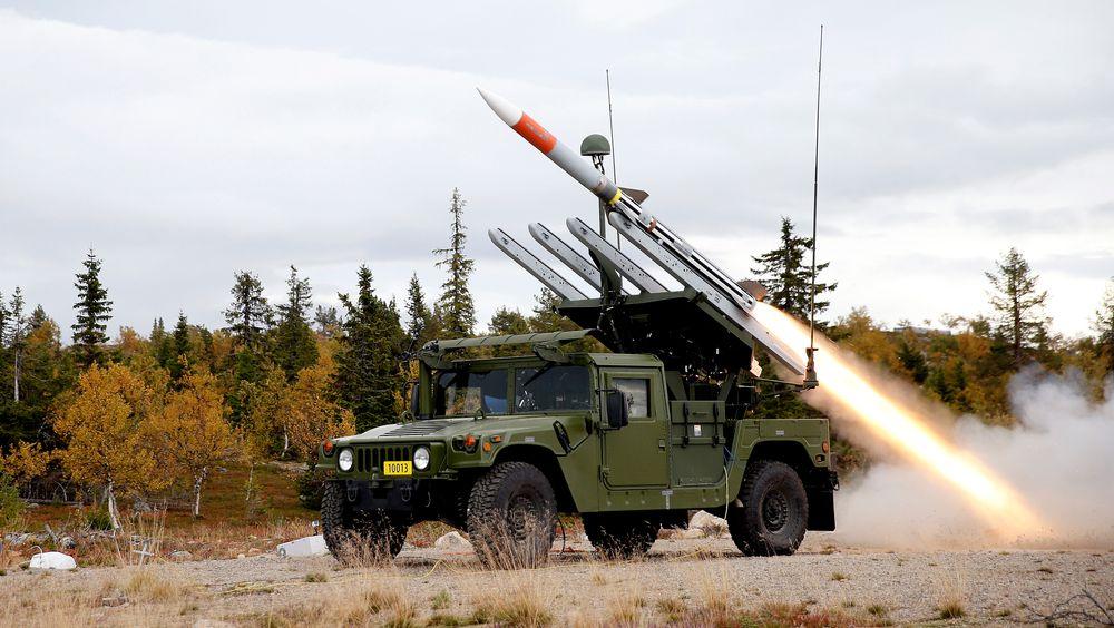 Fra den første skarpskytingen med det norske systemet NASAMS i Sverige i 2014 med missiler av typen AMRAAM.