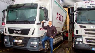Norges første el-lastebil har så mange tekniske utfordringer at Asko gir den opp. Bestiller heller 10 Tesla Semi