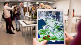 Tar i bruk norskutviklet AR-løsning i undervisningen