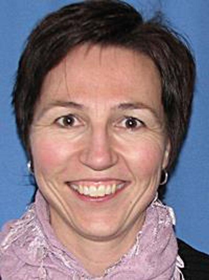 Heidi Lange er seniorrådgiver ved FHIs avdeling for smitte fra mat, vann og dyr.