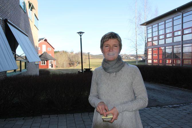 - Det ingenting som hindrer deg i å melde det opp til eksamen i desember. Let opp gamle eksamensoppgaver og begynn å øve, oppfordrer Nina Marie Storborg.