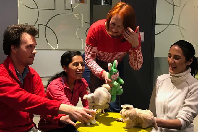 De som vil jobbe i barnehage, må være lekne. Drama- og rollelek står sentralt på flere av kursene i Alvens.