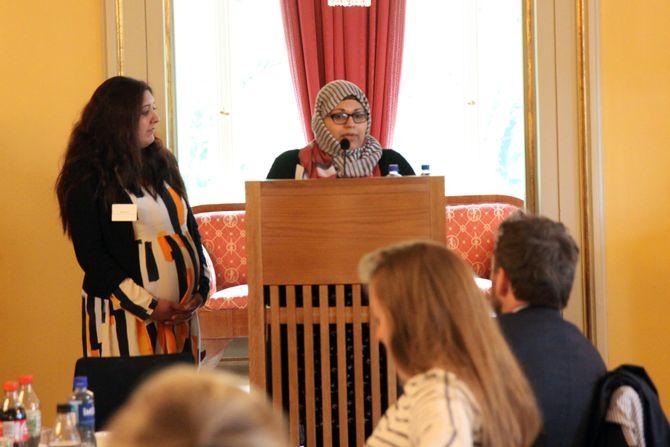 Fra venstre: Khansa Ali og Attia Mirza fra MiRA - Ressurssenter for kvinner med minoritetsbakgrunn.