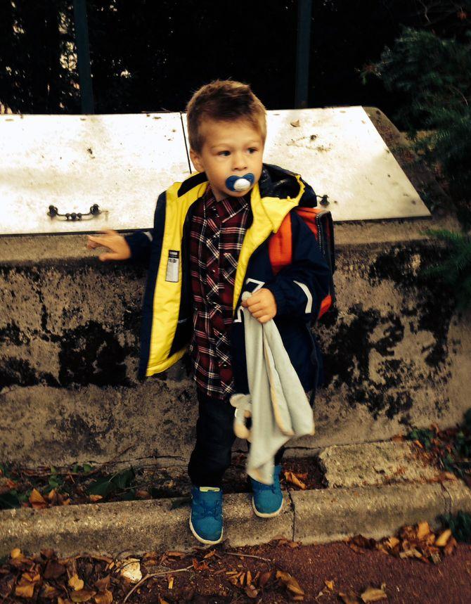 Theodor Ferdinand var bare to og et halvt år da han begynte på skolen i Paris.